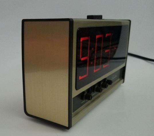 Vintage-Sears-Electric-Alarm-Clock-Rare-Swirl-Starburst-_57 (3)