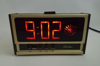 Vintage-Sears-Electric-Alarm-Clock-Rare-Swirl-Starburst-_57