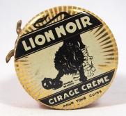 Lion noir boîte à cirage (3)