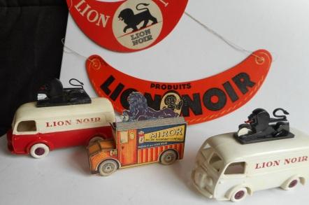 Miror Lion Noir jouets