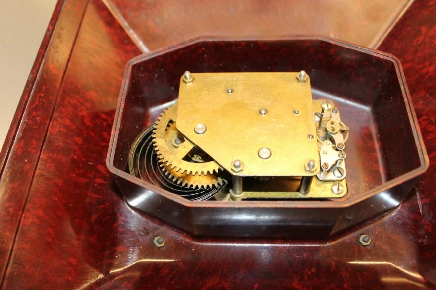 horloge bakelite calibre
