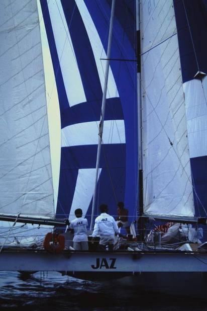 catamaran jaz 2