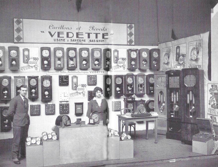 vedette stand.jpg