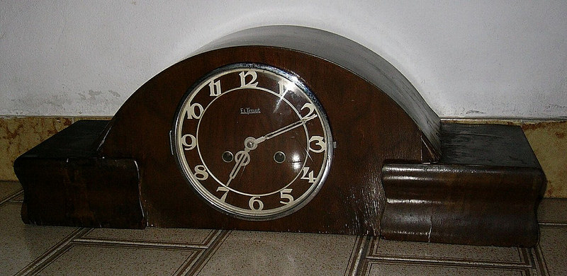 horloge de table el trust