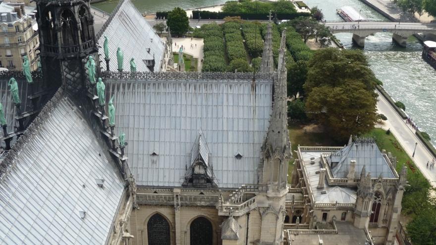 cathedrale_notre_dame_de_paris un des cadrans