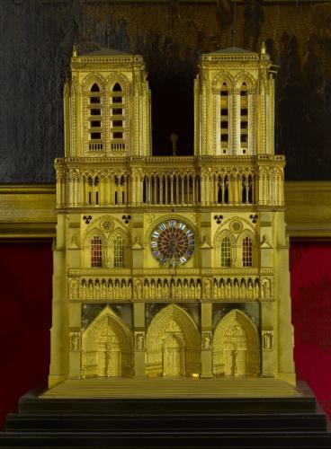 Horloge en forme de Notre Dame de Paris 1835-1845
