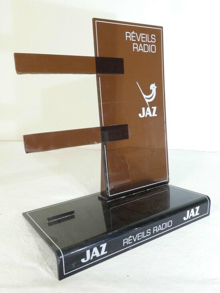 présentoir réveils radio (6)