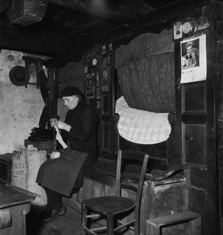 antoinette bourdassol 1957 perpezat puy de dome par Soulier