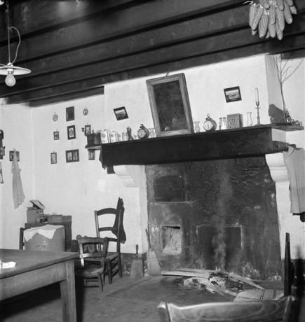 Maison de Monsieur Dussert. Pièce commune. Angle nord-ouest et cheminée 1956 boulin