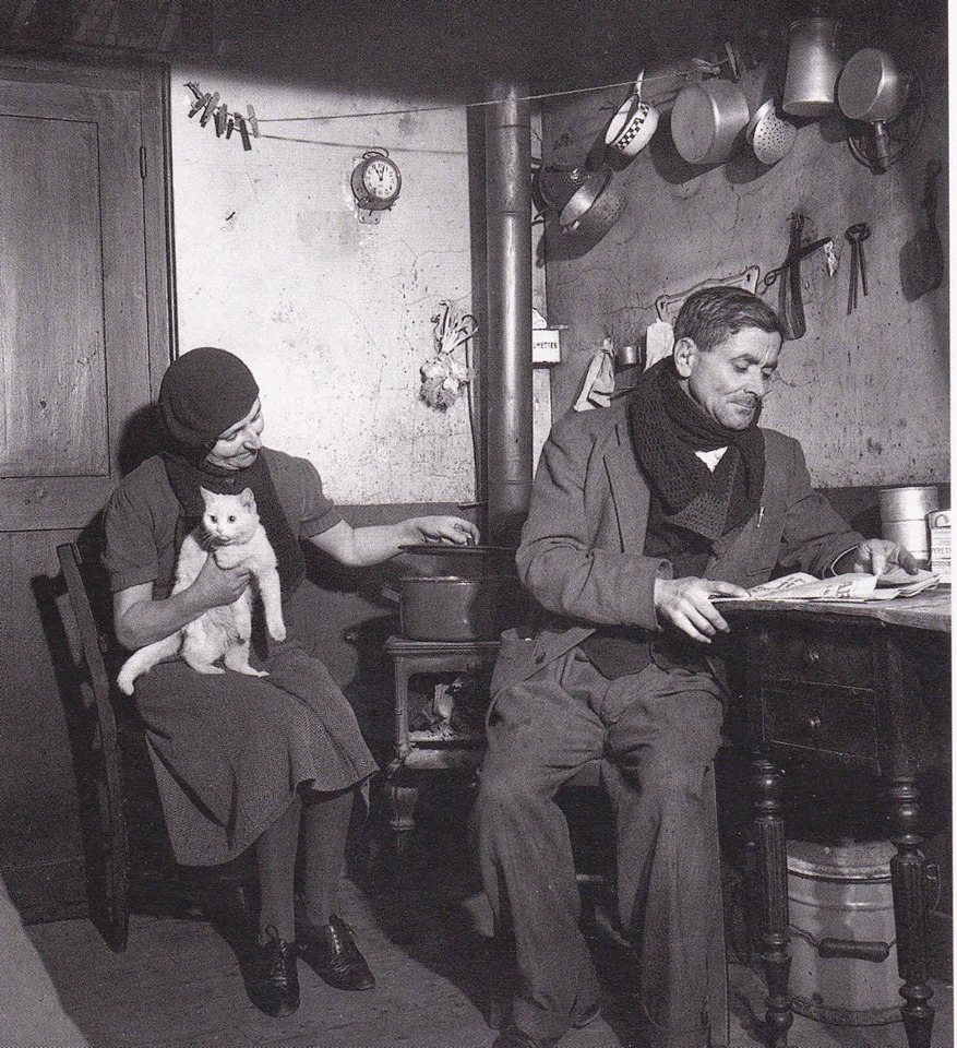 Willy RONIS- PETIT APPARTEMENT PARISIEN EN 1949