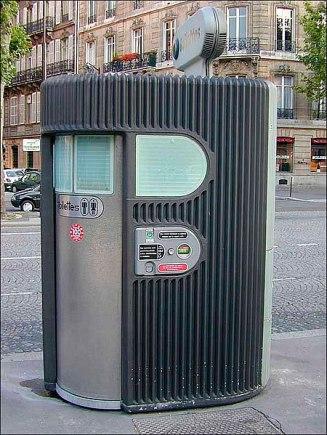450px-Sanisette