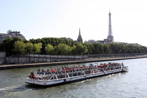 bateau-mouche-600x401