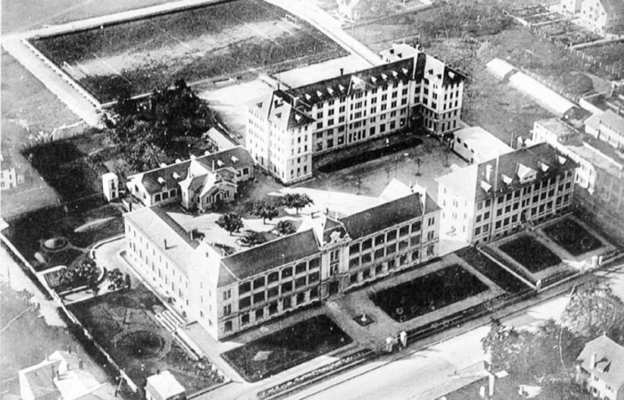 1937 CLUSES école