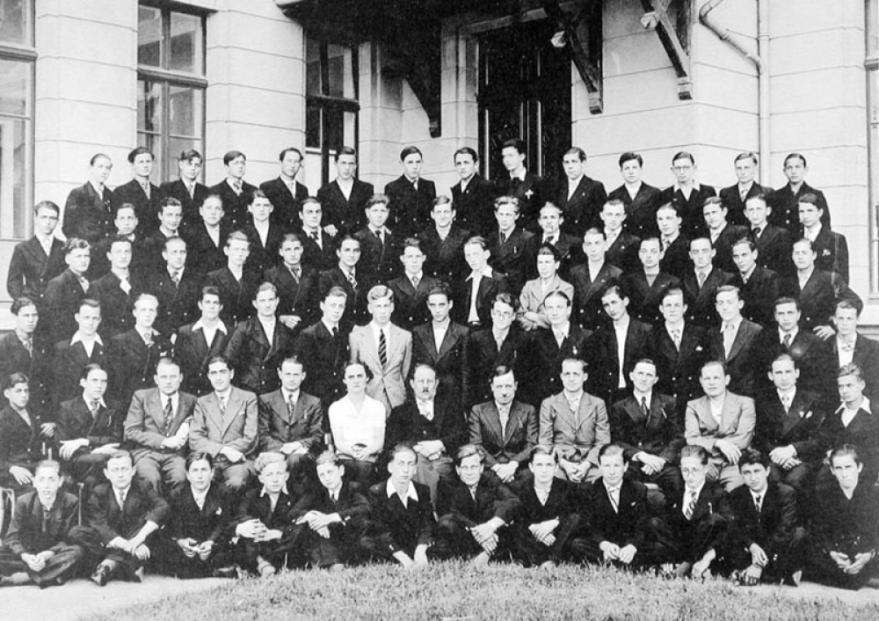 1937 les premières années