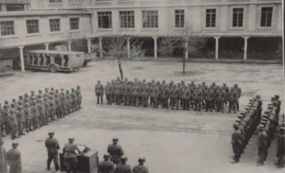 19444 cluses école