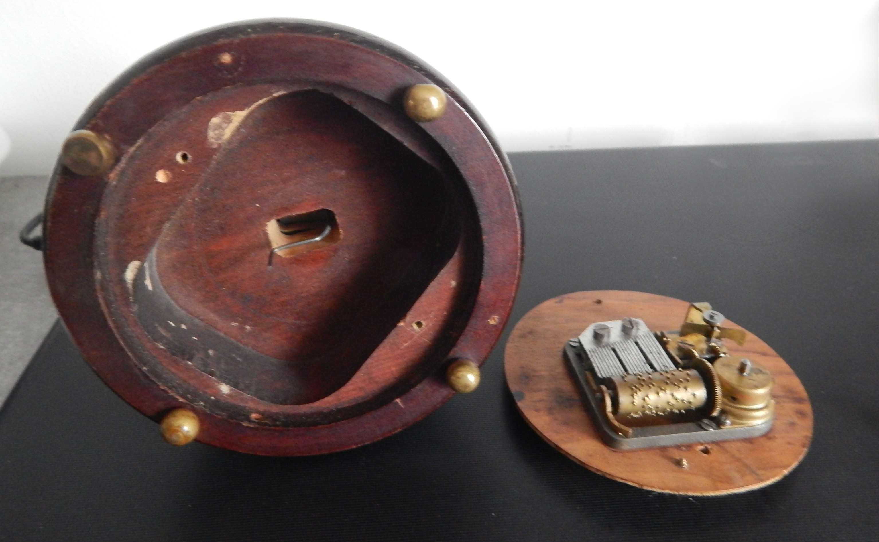 Music box (4)
