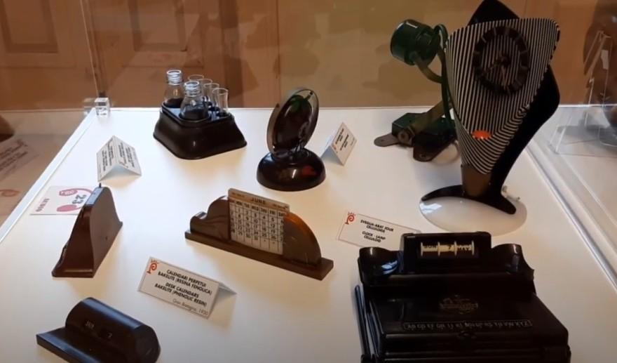 vitrines musée plastique (2)
