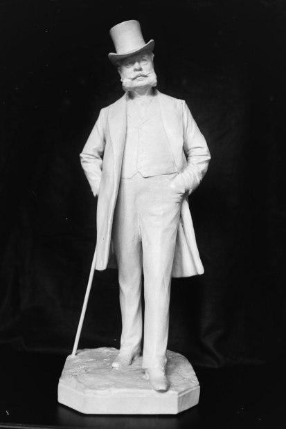 Charles-Roux_(statue_de_Théodore_Rivière)