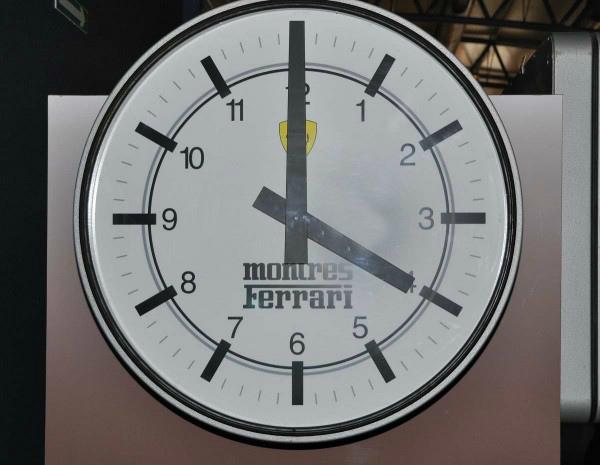 MUSEE-AUTOMOBILE-DE-LA-SARTHE-horloge-Ferrari-Photo-Alain-MONNOT-autonewsinfo-600x465